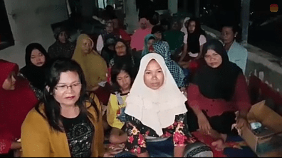 Warga Desa Rawang Baru, Dusun 6 Asahan yang berharap didirikan posyandu di dusunnya