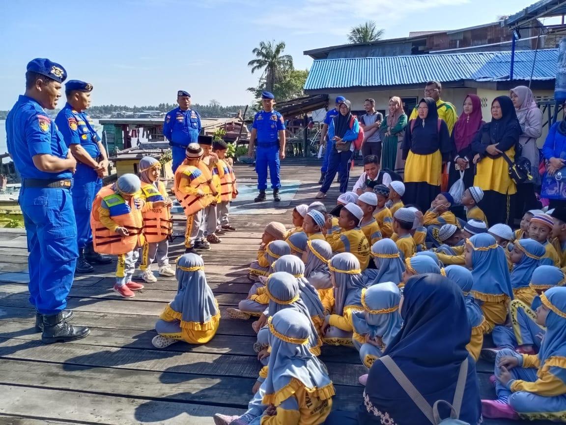 Satpol Air Polres Tanjungbalai Terima Kunjungan Murid TK TAHFIZD ALHUDA
