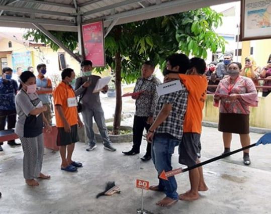 Rekontruksi ayah membunuh anaknya di Kabupaten Batubara.