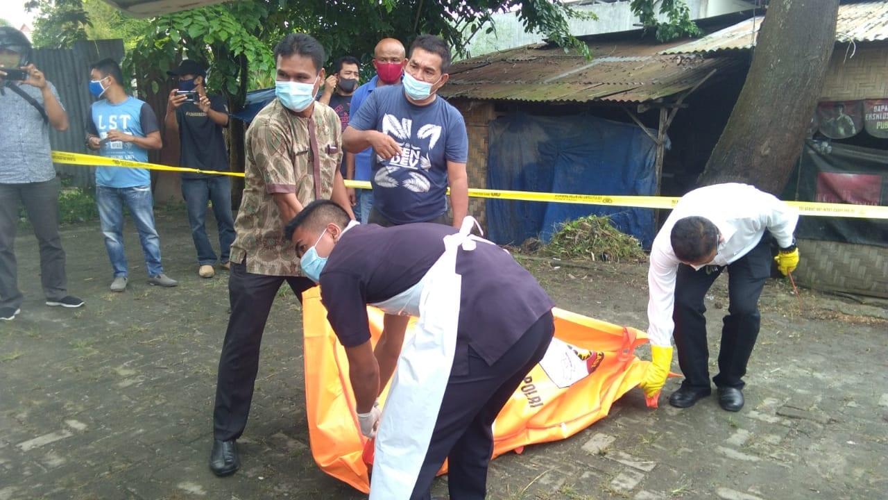 Mayat Pria Tua Ditemukan Terkapar di Warung di Daerah Sentang, Asahan Ini Videonya