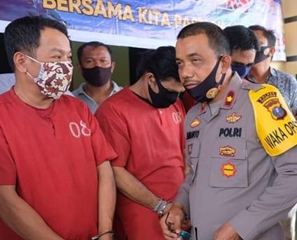 Tiga tersangka pelaku penganiayaan dan penculikan di Kota Tanjungbalai saat diintrogasi Wakapolres Tanjungbalai.